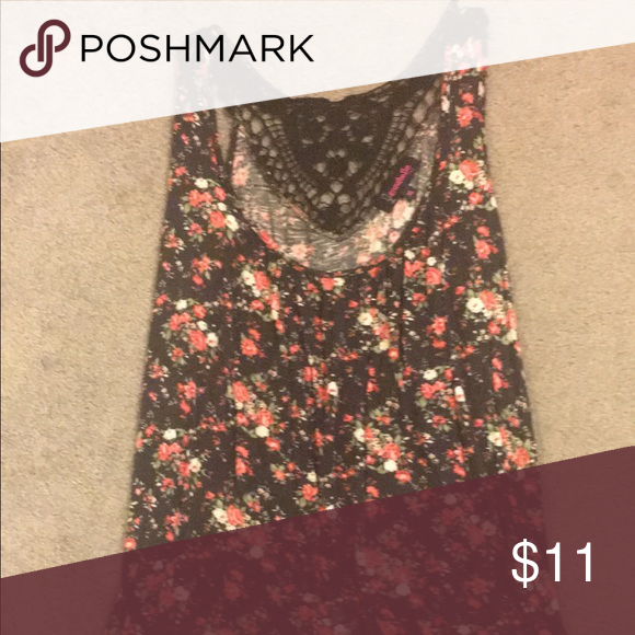 Floral top Floral print sleeveless top Annabelle Tops Blouses
