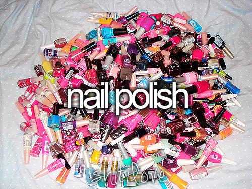 i do love me some nail polish :)
