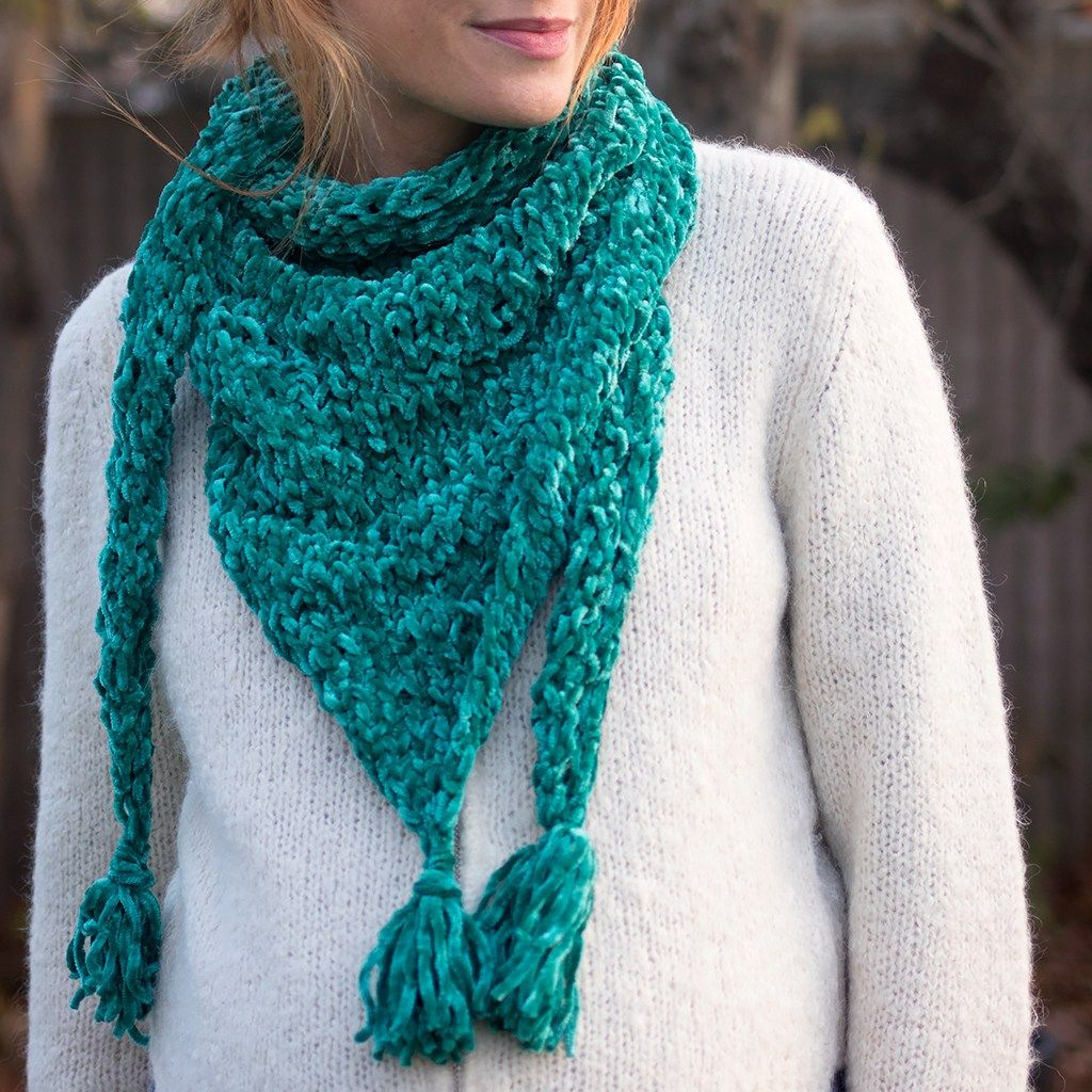 Easy Triangle Scarf Knitting Pattern (With images)   Scarf ...