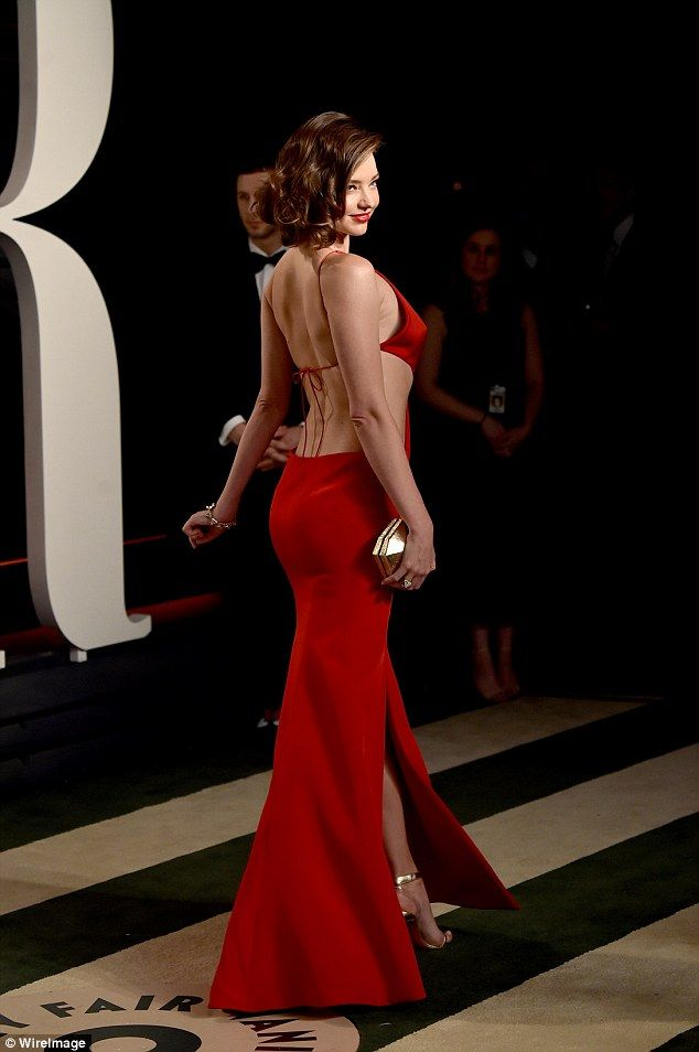 Miranda Kerr sizzles in plunging cut-out red gown | She s, Miranda ...