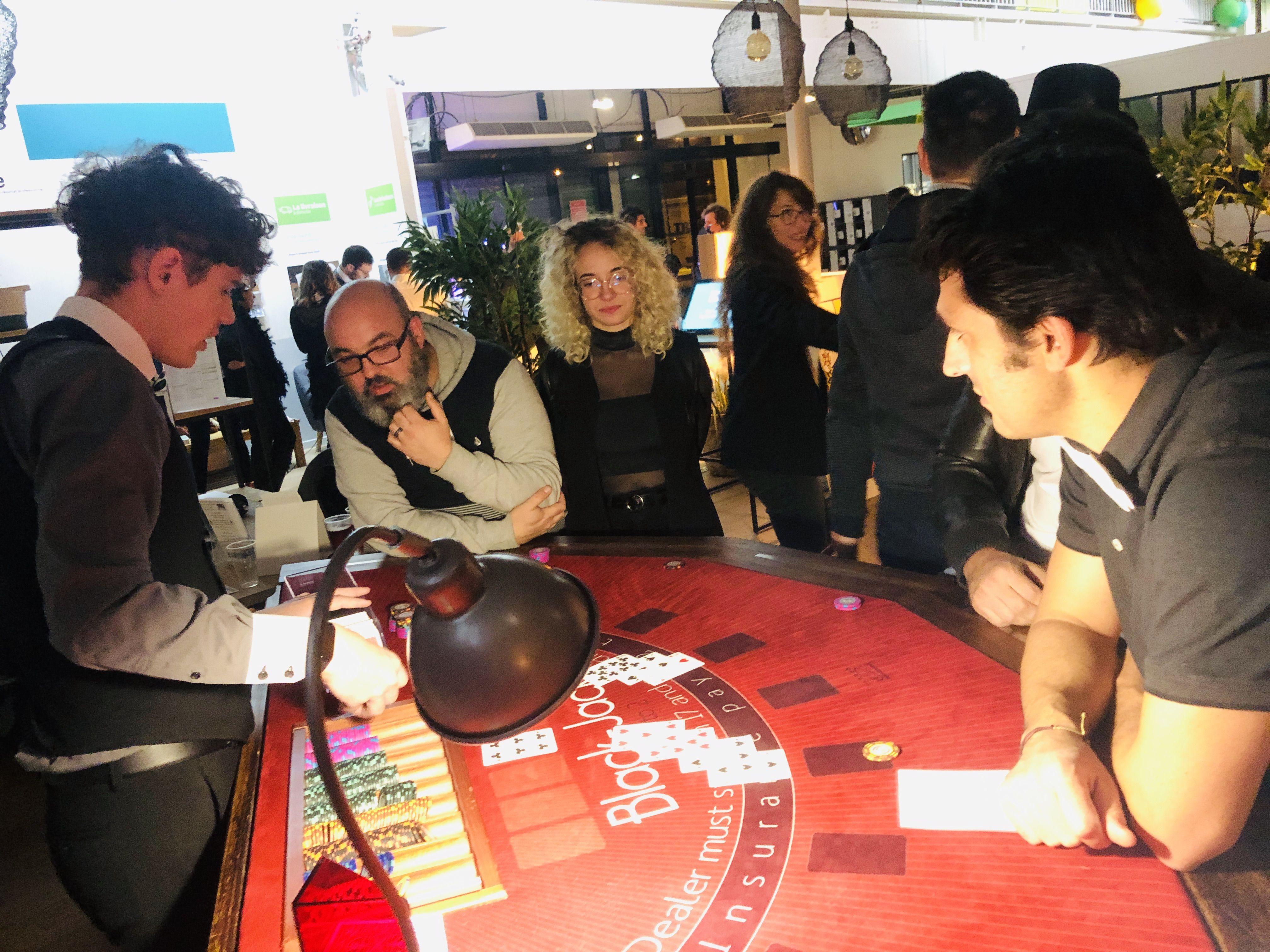 Organiser Une Soiree D Entreprise A La Rochelle Soiree Casino Soiree Theme Gatsby