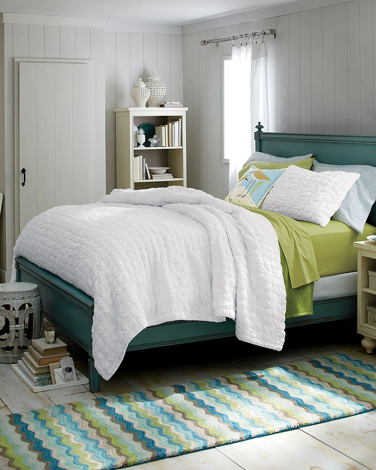 Hill Breezy Voile Quilt I love the rug, the white