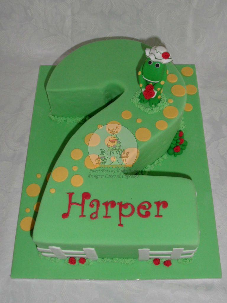 Dorothy the Dinosaur Cake make a 3 shaped cake