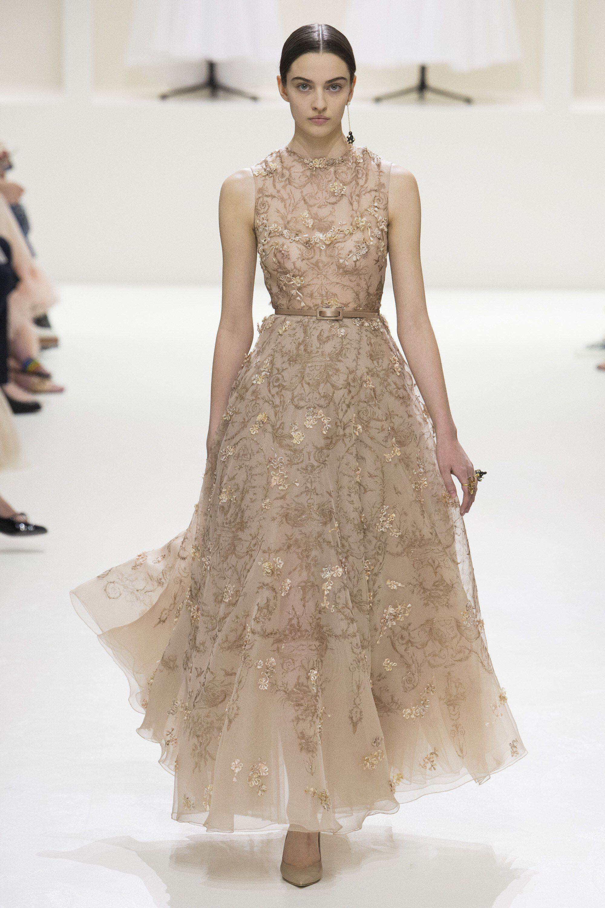 063e60a1aa90 Christian Dior Fall 2018 Couture Fashion Show Collection: See the complete  Christian Dior Fall 2018 Couture collection. Look 60