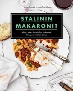 Kuvaus: Mitä yhteistä on Jacqueline ja John F. Kennedyn häillä, Titanicin ainoaksi jääneellä matkalla ja Buffalo Billin metsästysretkellä? Historiaan jäänyt ruoka. Näissä tapahtumissa nautittiin aterioita, joista on säilynyt merkintöjä näihin päiviin asti. Stalinin makaroneihin on koottu 31 reseptiä aina Napoleonin kanapadasta Kurt Cobainin rapusalaattiin. Reseptien kyytipoikana tarjoillaan tietoiskuja ruokalajiin liittyvästä historian tapahtumasta tai henkilöstä.