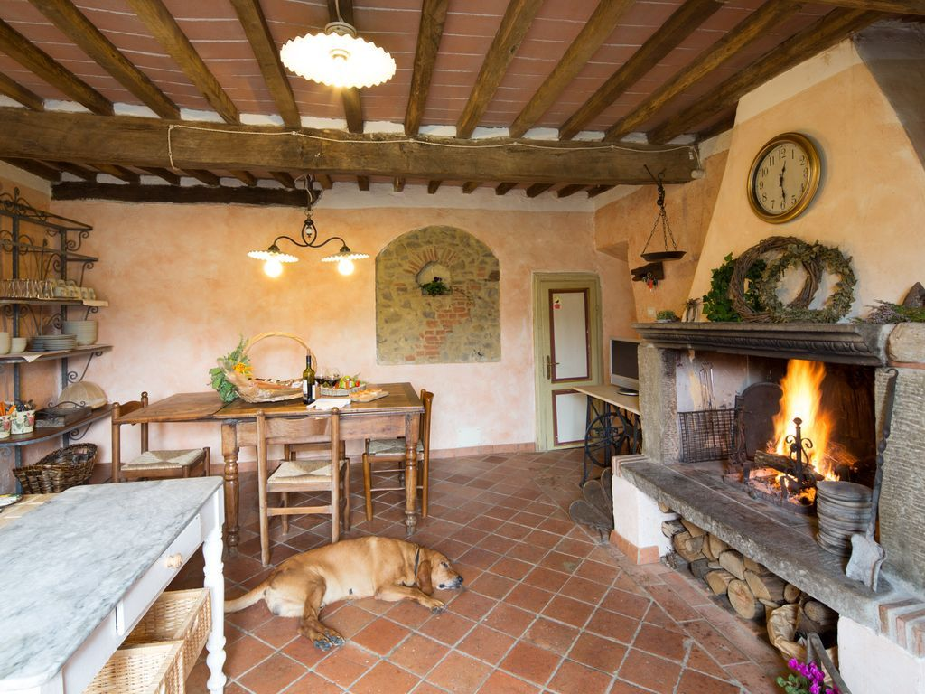 Casale in campagna a lucca animali benvenuti cucine for Aziende arredamento toscana