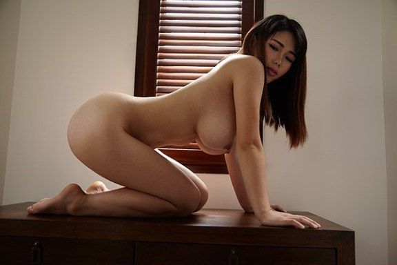 Lebanese busty porn babe