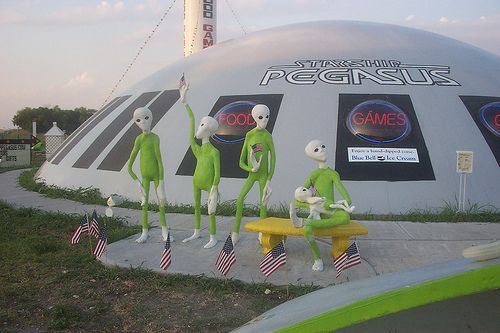 Italy Texas The Yaya S Space Cadets Are Alive And Well Lol Roadside Attractions Weird Strange