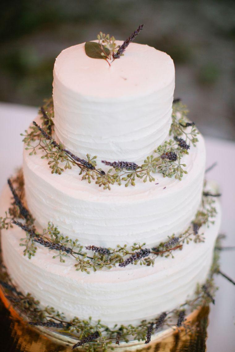 An Intimate Vintage Boho Wedding Cake. Two Teared Cake But I Like This A  Lot!