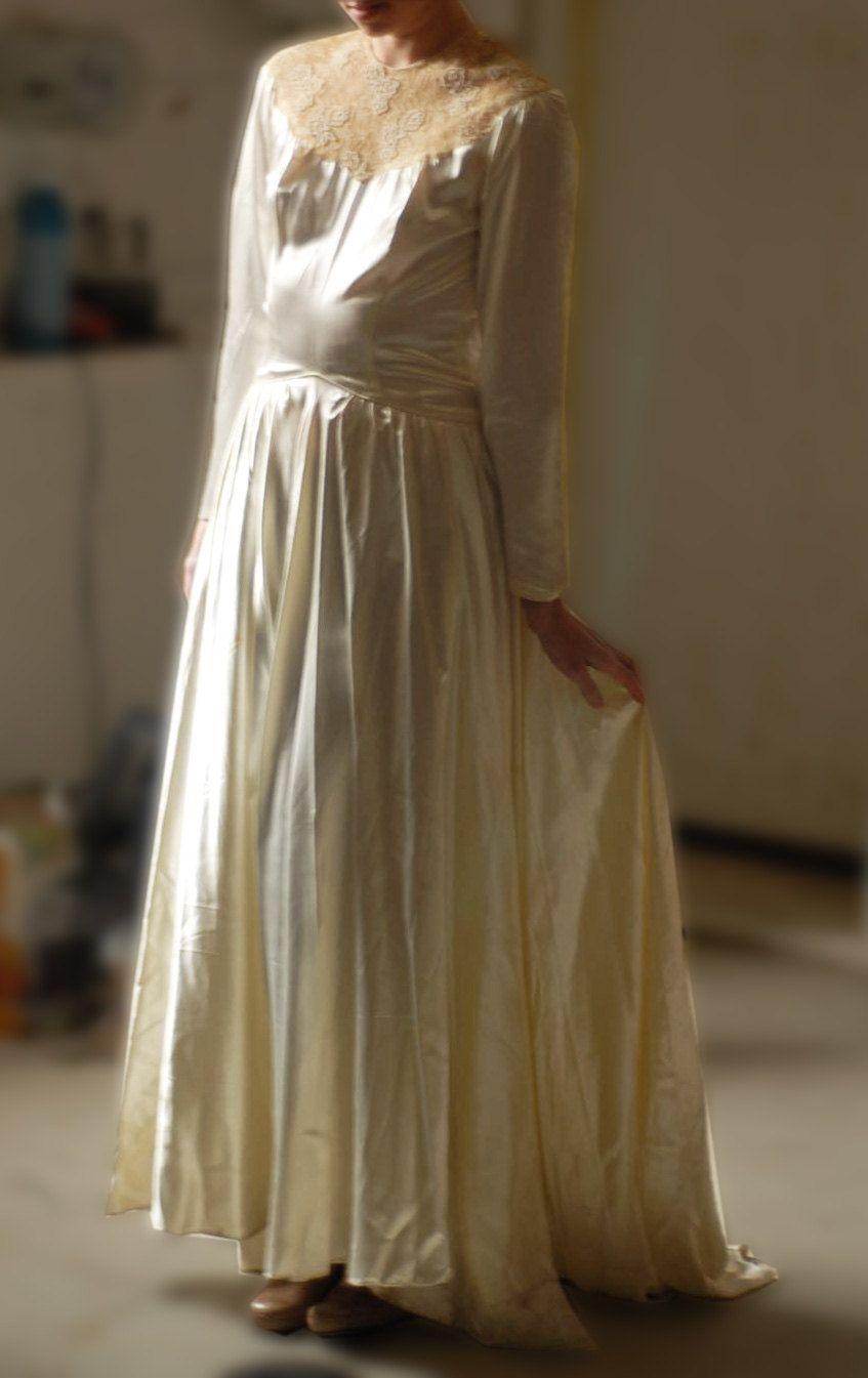 Leslie knope wedding dress   Beautiful Satin Brtidal Gown by VIENSVINTAGE on Etsy