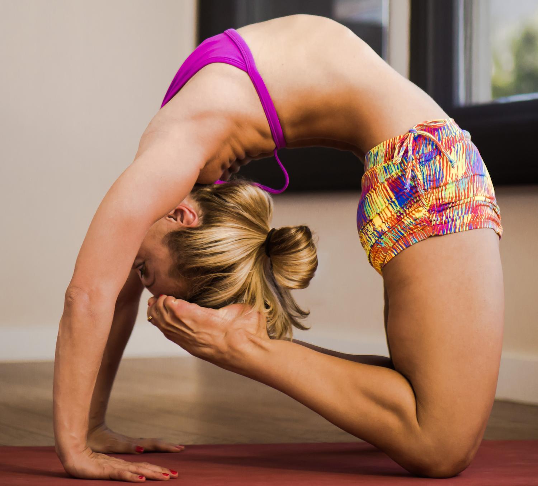 Kapotasana Yoga Class with Kino MacGregor   Ashtanga yoga ...