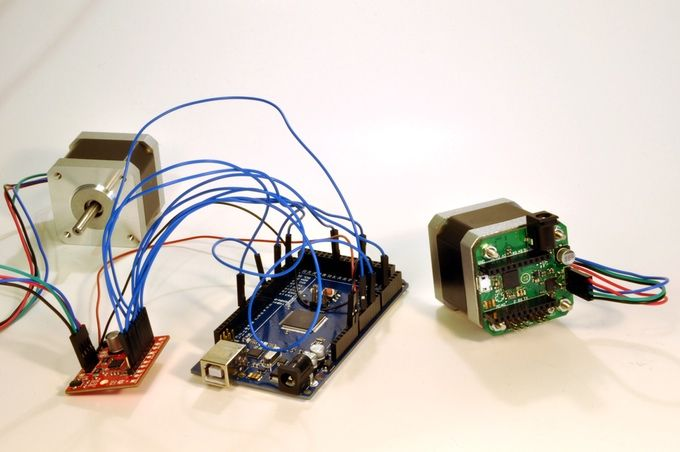 uStepper incorporates microcontroller, stepper driver and absolute