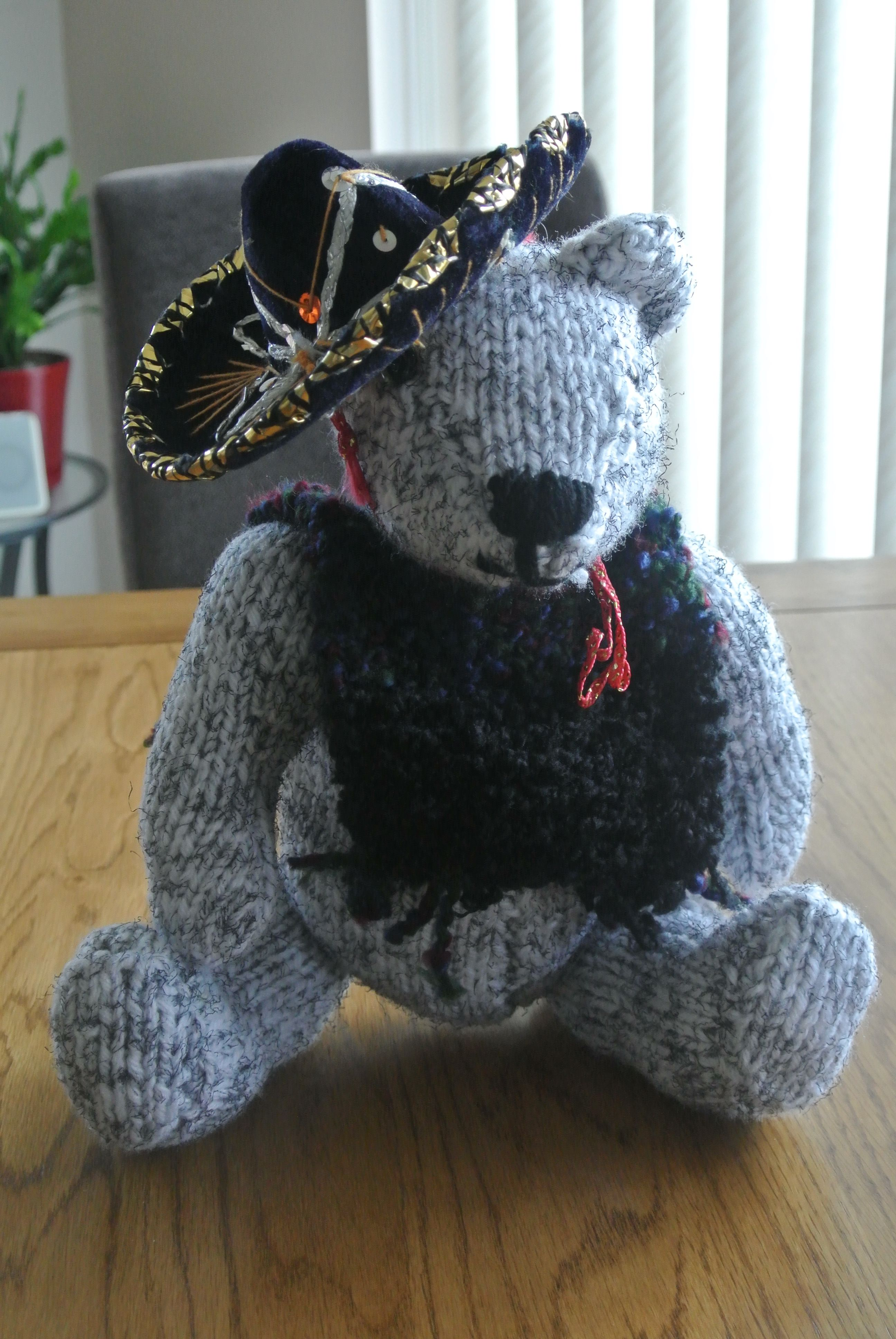Knitted bear in Mexican Kit