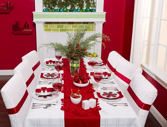 Modern Christmas Cheer Tablescape Above Beyond Modern Christmas Christmas Tablescapes Christmas Table Decorations