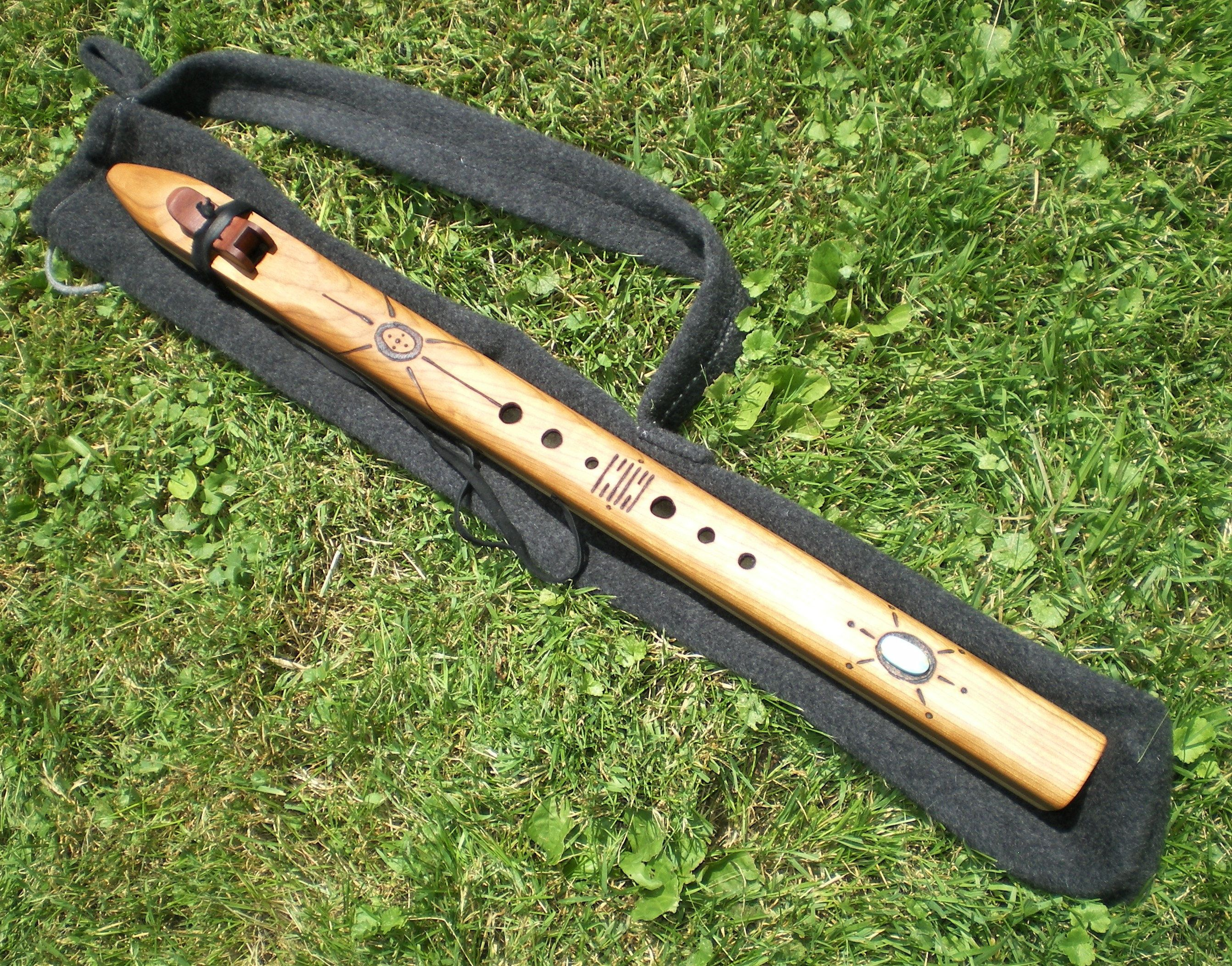 Native American Style Wood Flute key of Low C# | Native ...