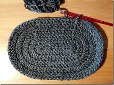Crochet Pattern :: Die kleine ovale Häkeltasche