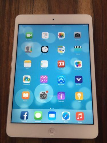 Apple iPad mini 2 32GB Wi-Fi 7.9in - Silver In Immaculate Condition https://t.co/cgwHj0x3EQ https://t.co/COXTnOZi4N