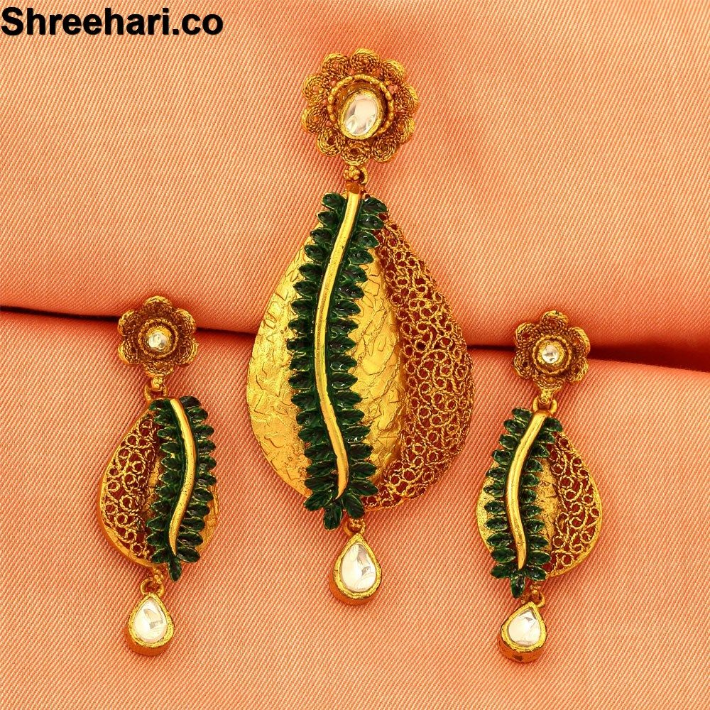http://www.shreehari.co/  Jewellery for INR 5,225.00 http://bit.ly/1PMHkw1