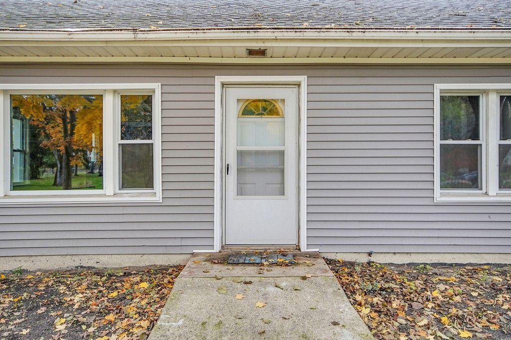 216 Waubascon Rd, Battle Creek, MI 49037 Battle Creek, Garage Doors,  Carriage
