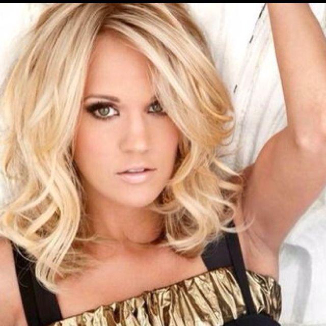 make up | Medium hair styles, Carrie underwood hair ...