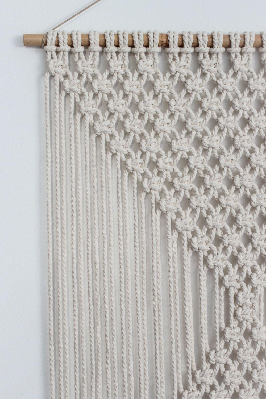 macrame wall hanging diamonds ecru par buttermilkdesignco sur etsy macrame makram pletenie. Black Bedroom Furniture Sets. Home Design Ideas