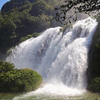 Mikis Instamikis Foto E Video Di Instagram Natural Landmarks Waterfall Landmarks