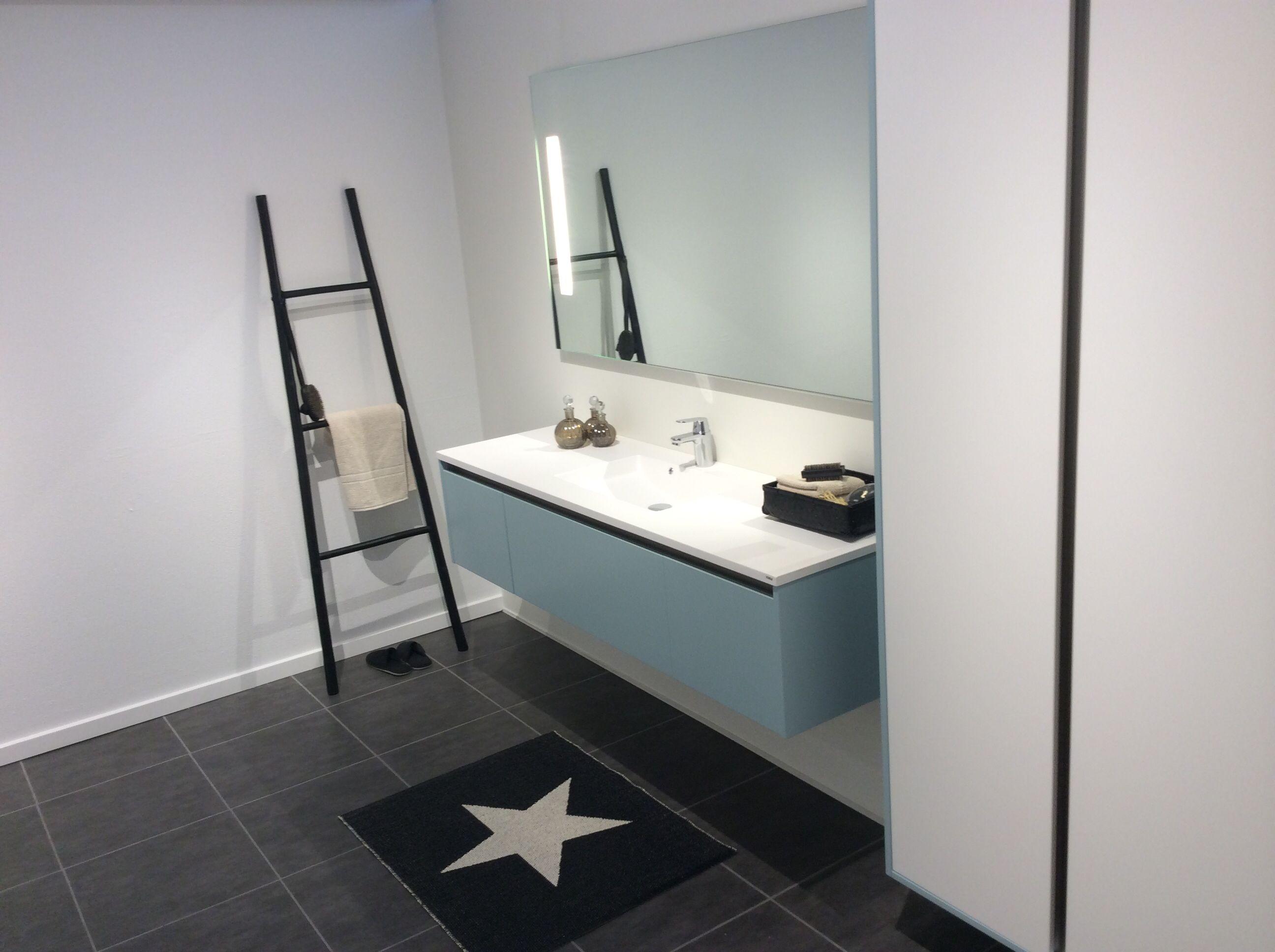 Enkelt, stilrent og lidt råt badeværelse i flot nordisk design. se ...