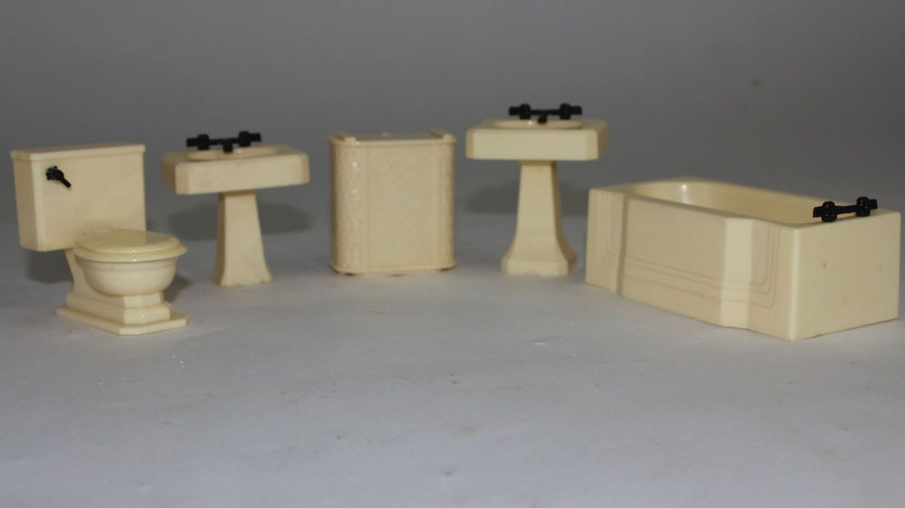 "Vintage Lot RENWAL doll furniture, Cream Bathroom Fixtures, 5 piece 3/4"" Scale #Renwal"