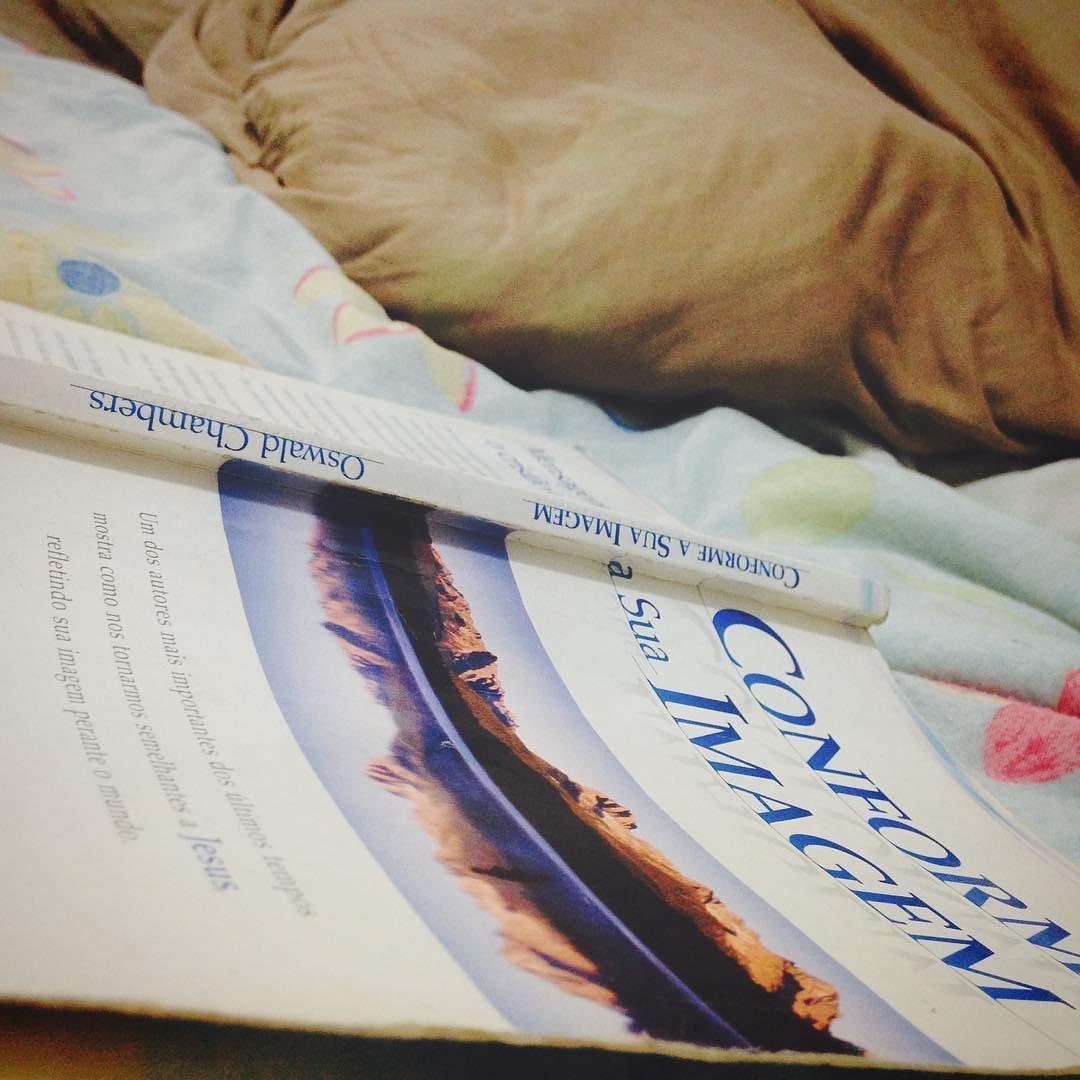 Enquanto esperamos o nosso processo de mudança para Inglaterra começamos uma nova leitura que recomendamos!  Oswald Chambers - Conforme Sua Imagem.  #thesouzas #jocumccl #JOCUM #missionarios #missoes #missions #uofn #ywam #ywamccl #familyinmissions by the_souzas http://bit.ly/dtskyiv #ywamkyiv #ywam #mission #missiontrip #outreach