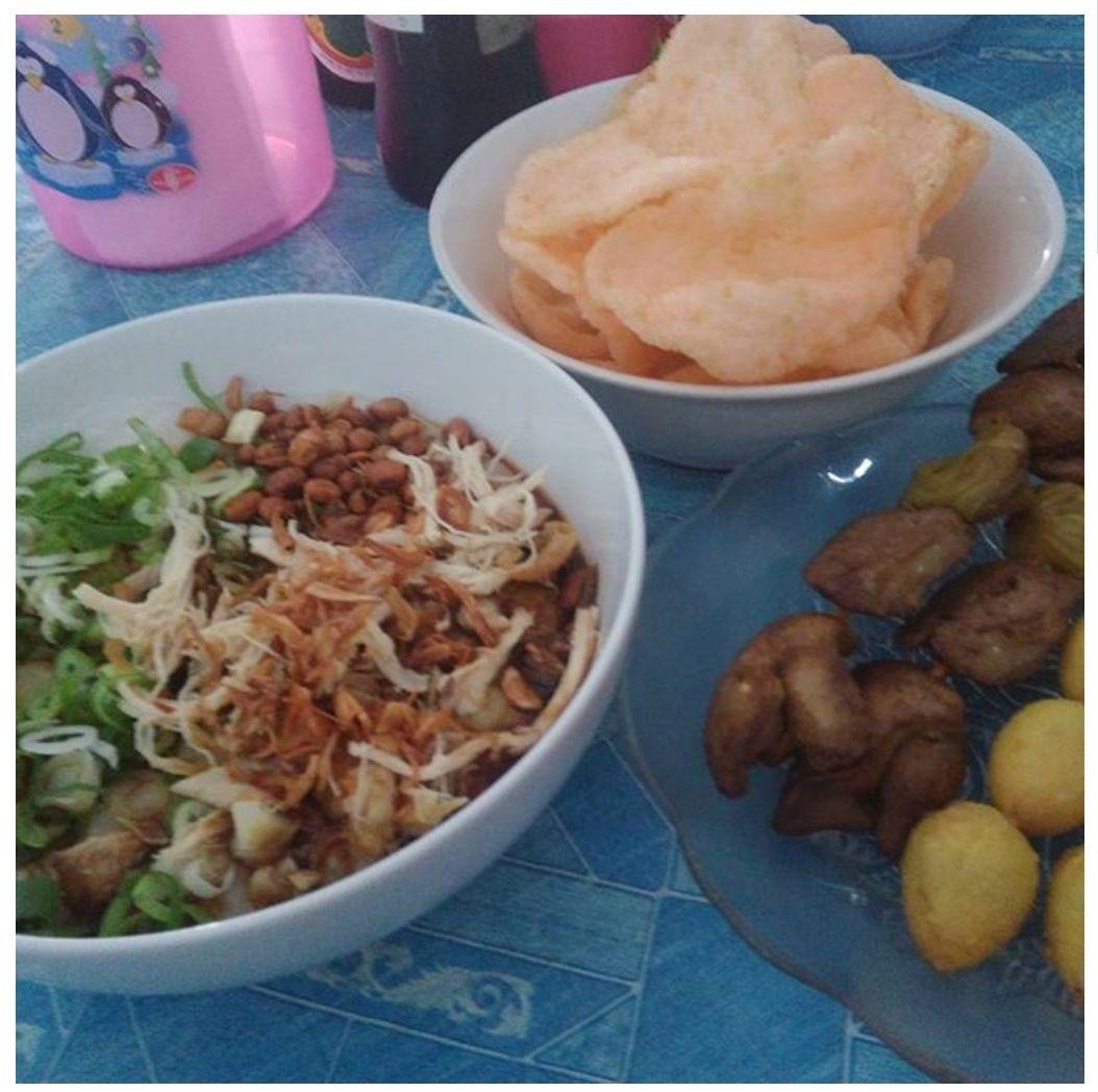 Specialist Bubur Ayam Cirebon Nikmati Sarapan Pagi Makan Siang Maupun Makan Malam Dengan Santai Bersama Keluarga Sahabat R Makan Malam Makan Siang Makanan