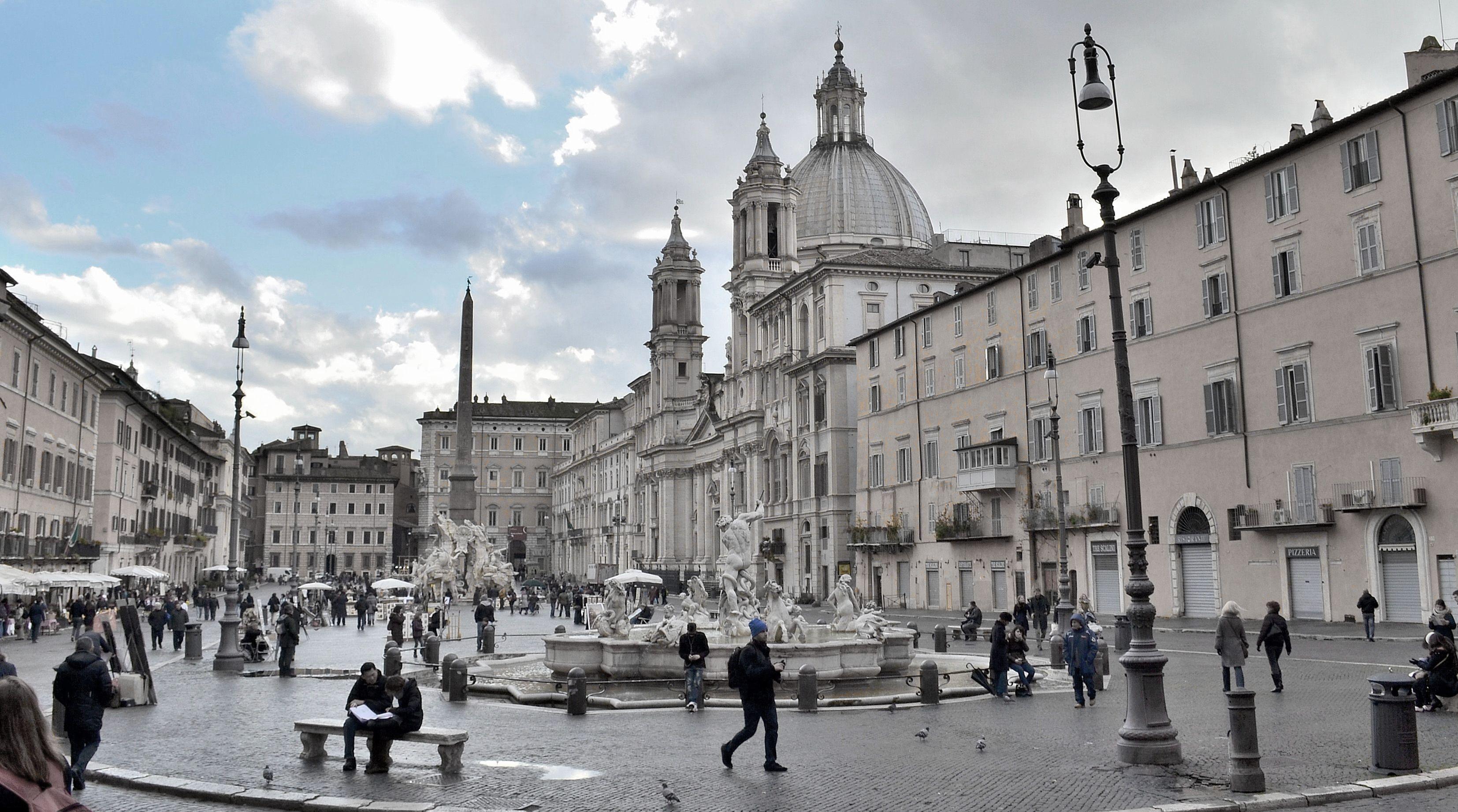 """italian baroque architecture; piazza navona, rome, begun 1652. """"in"""