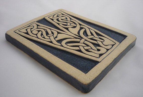Letter V Celtic Knot Alphabet Tile | Ideas, Celtic knots and Clay