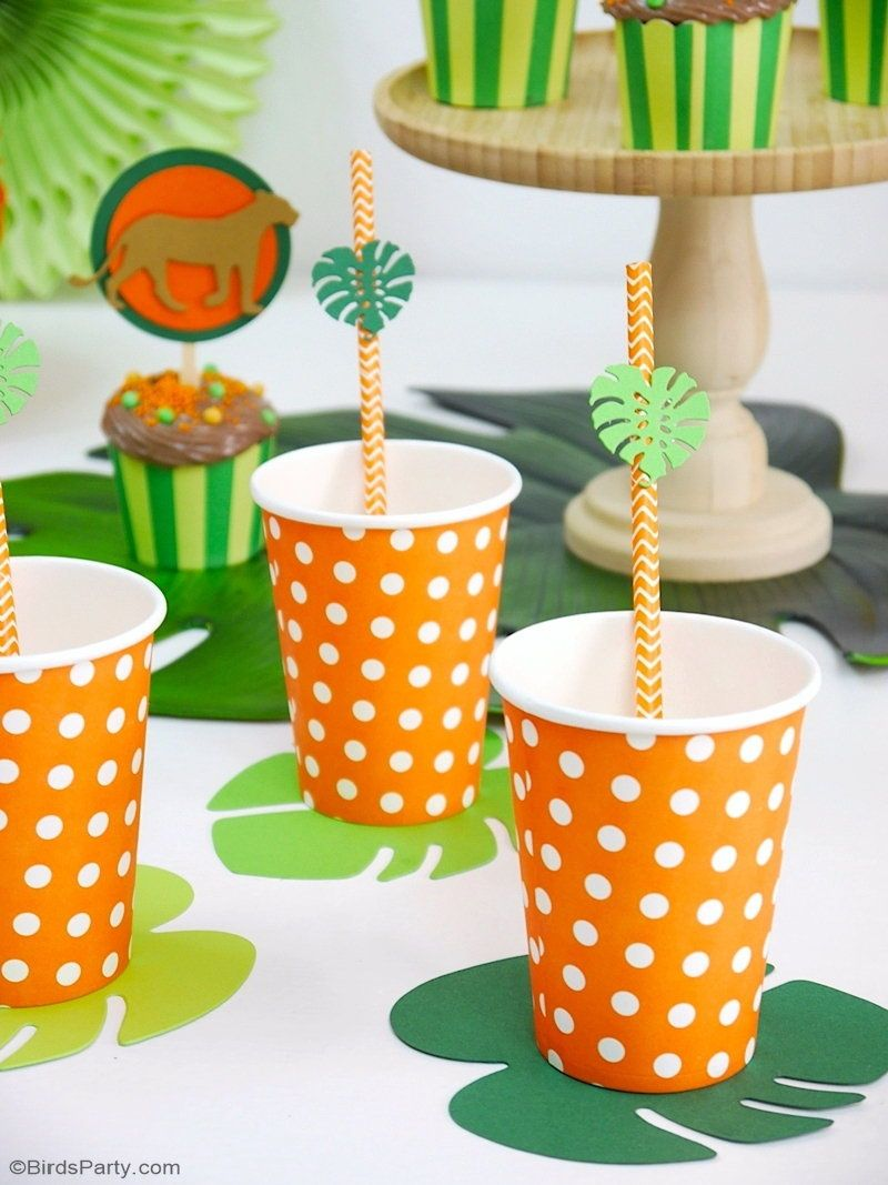 Lion and Jungle DIY Birthday Party Decorations #tropicalbirthdayparty