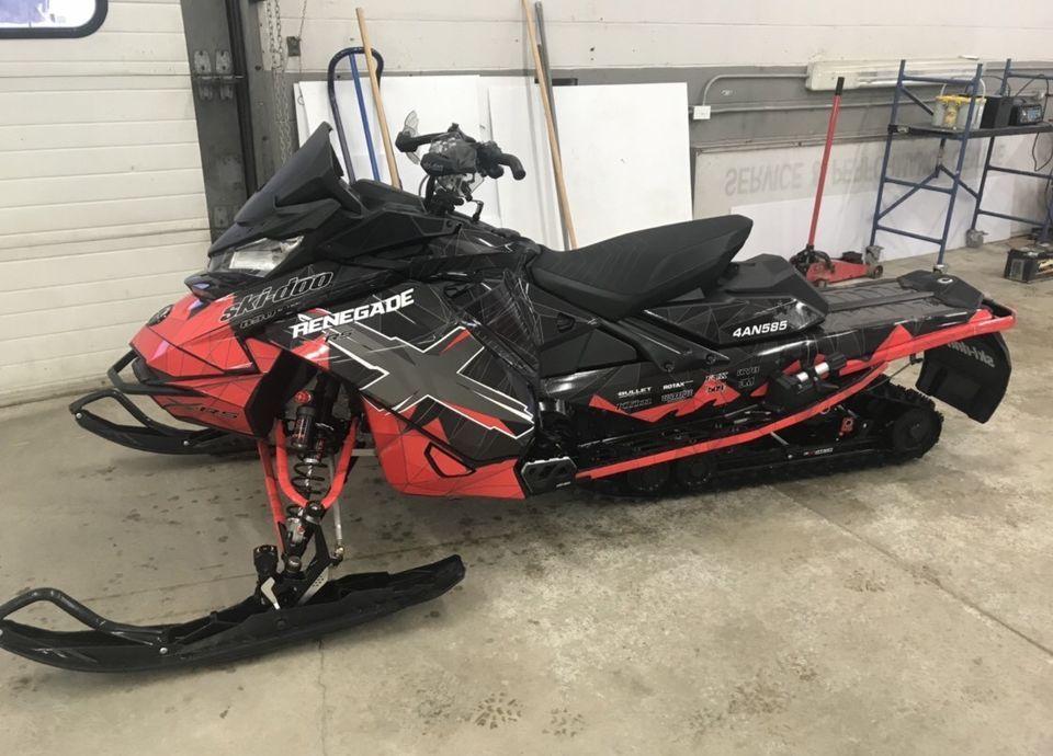XRS 850 renegade Snowmobiles Belleville Kijiji