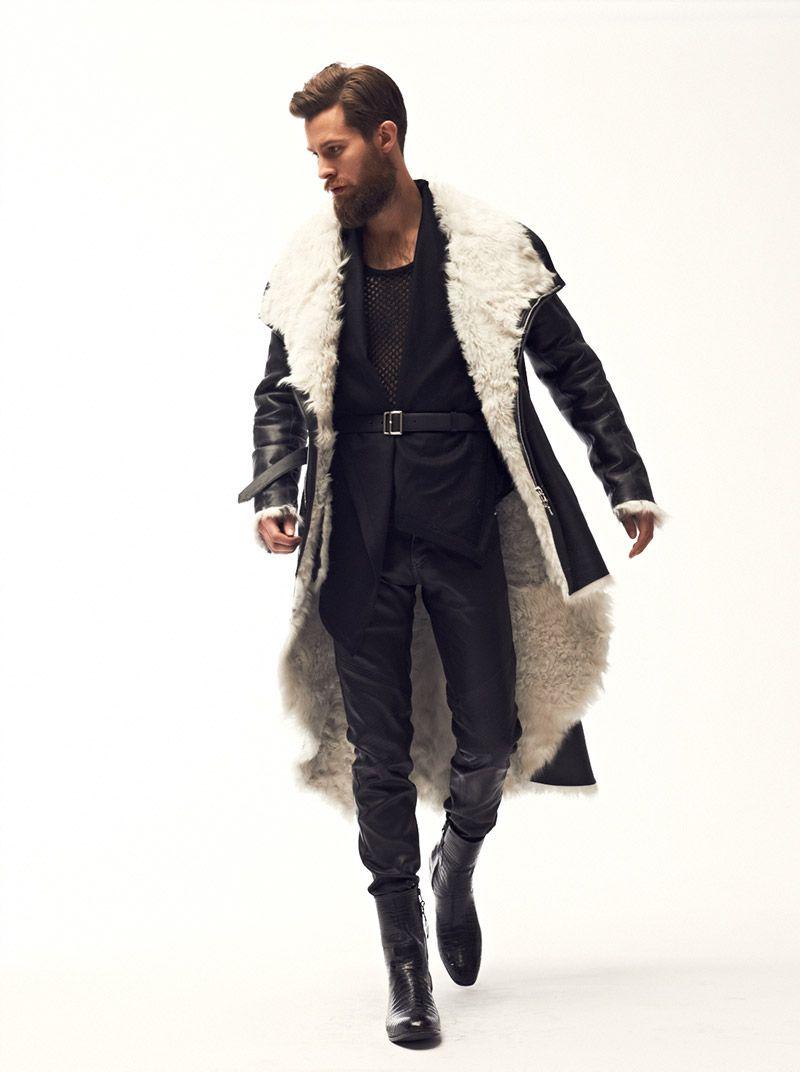 un manteau avec presque la m me coupe qu une cape. Black Bedroom Furniture Sets. Home Design Ideas