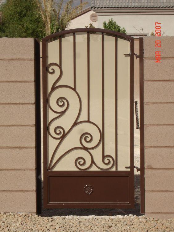 Puerta de servicio buscar con google estructuras - Puertas metalicas jardin ...