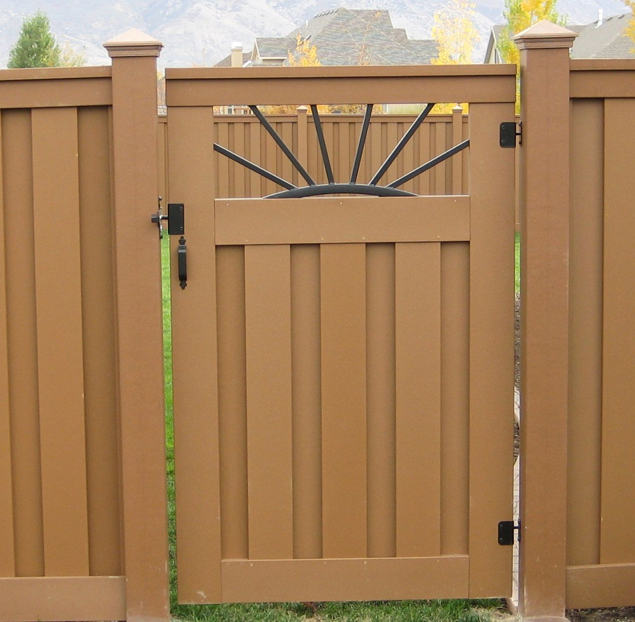 Fence Gate Design Ideas: Home Sweet Home