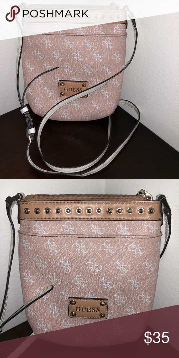 31c553dd285 Pink crossbody Guess purse Crossbody, perfect for a long travel or shopping  day at the mall, beautiful pink color with white Guess Bags Crossbody Bags