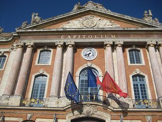 """Toulouse Capitolium Are you visiting Toulouse for the first time? Below is a list of """"Insider Tips"""" for things to see and do in """"the pink city."""""""