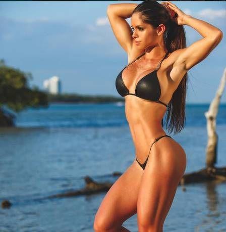 Sósia de Bruna Marquezine, musa fitness Michelle Lewin faz