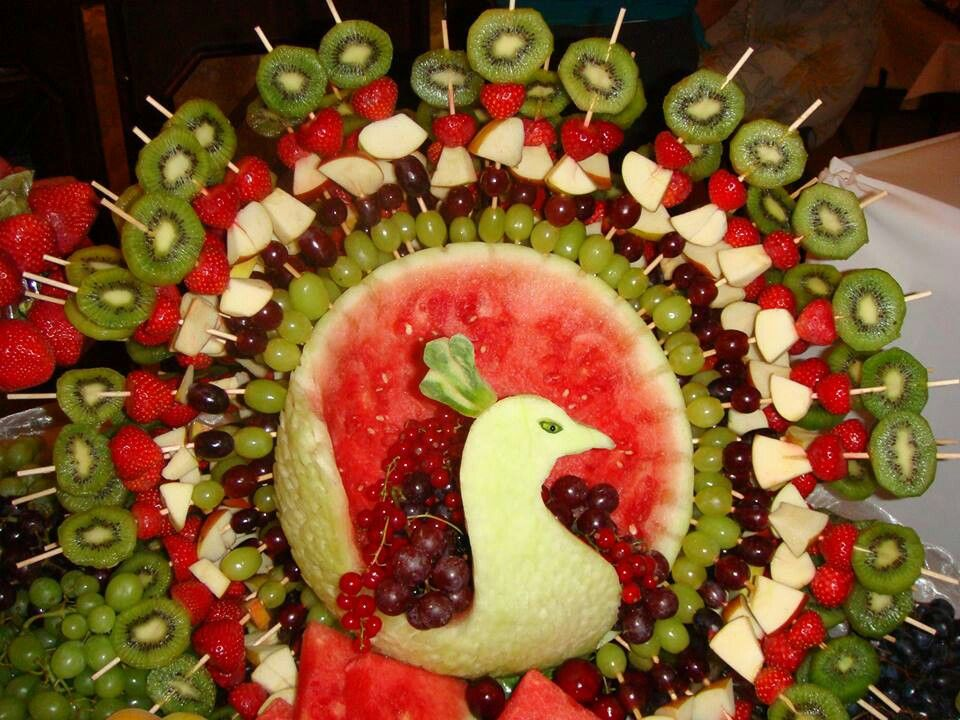Obst buffet nachtisch pinterest buffet and food - Buffet dekorieren ...
