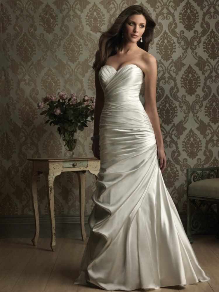 Fit Flare Sweetheart Ruched Bodice Satin Wedding Dress Wf0005