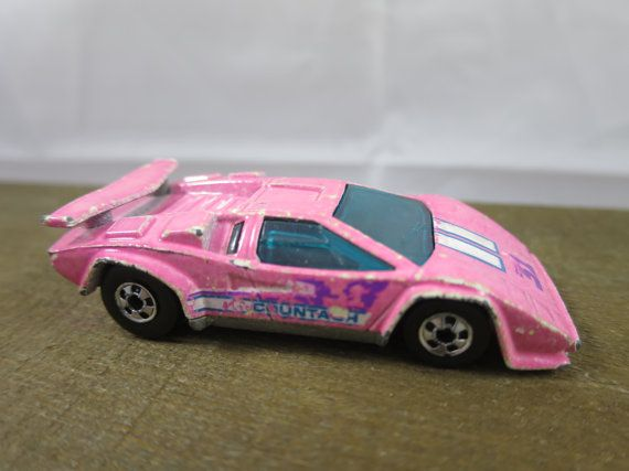 Hot Wheels Lamborghini Countach 1987 Pale By