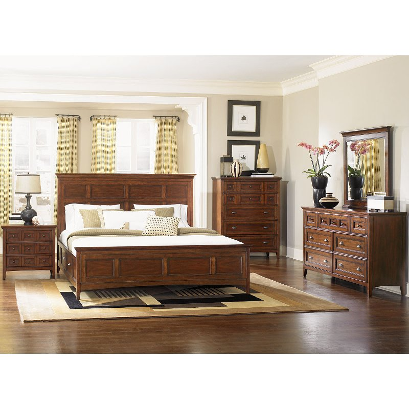 Cherry Casual Traditional 4 Piece Queen Bedroom Set Harrison Rc Willey Furniture Store Bedroom Furniture Sets Bedroom Set California King Bedroom Sets