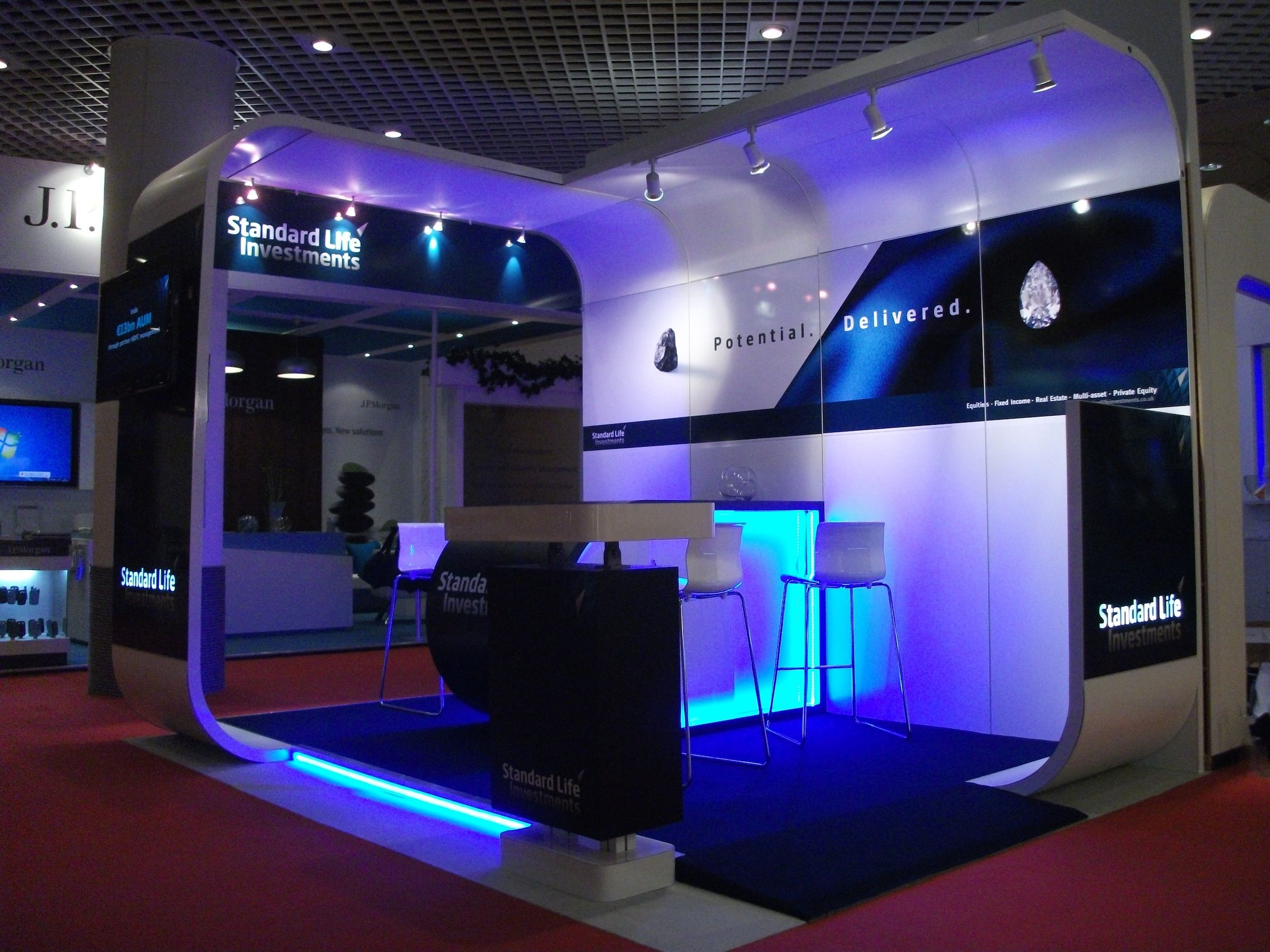 leading edge design standard life exhibition stand design