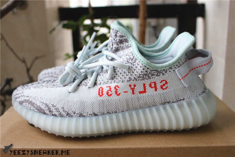 4d5d3ebe6e6 YEEZY BOOST 350 V2 BLUE TINT EXCLUSIVE