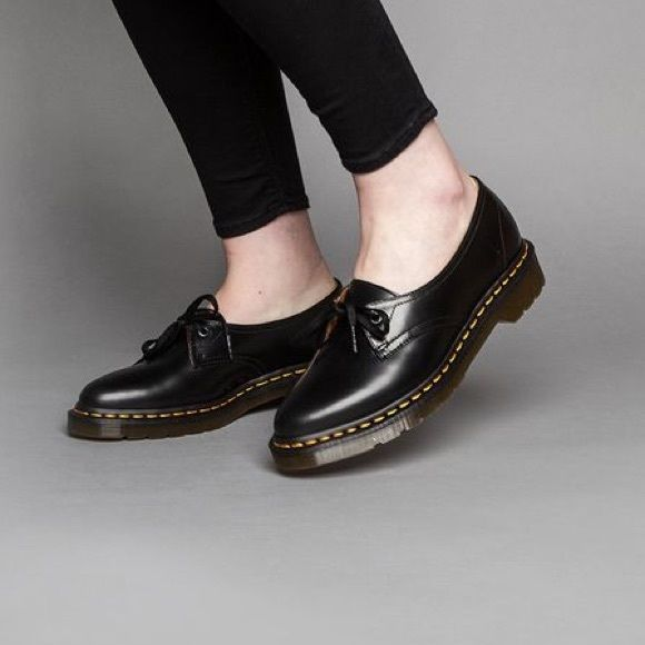 Doc Martens Siano Black Polished Pointed Toe Shoes