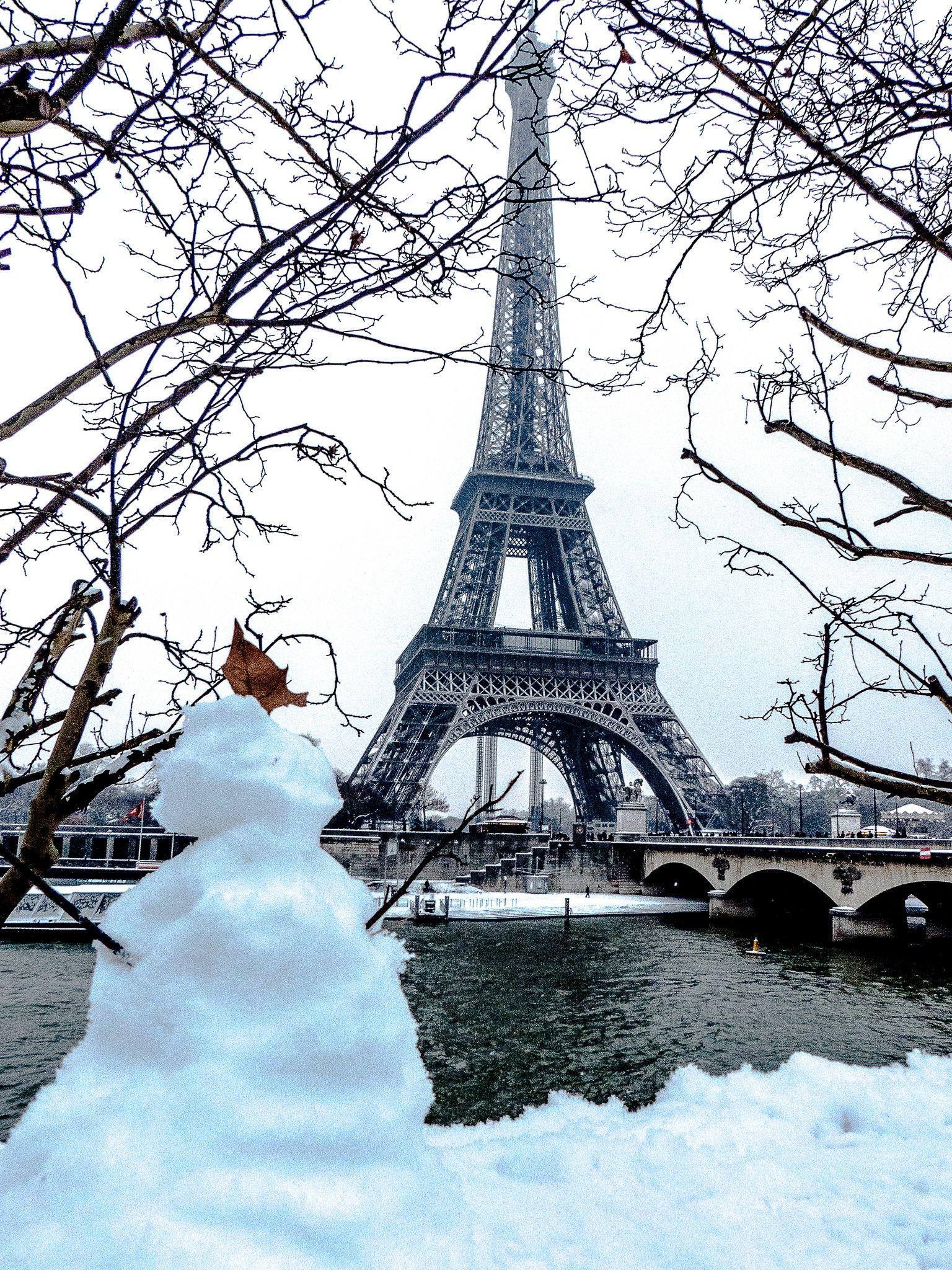 Il neige sur Paris 20 janvier 2013 Tour eiffel, Viva