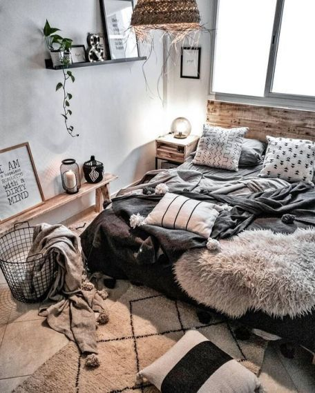 50 Sleigh Bed Inspirations For A Cozy Modern Bedroom: 50 Amazing Bohemian Master Bedroom Design Ideas