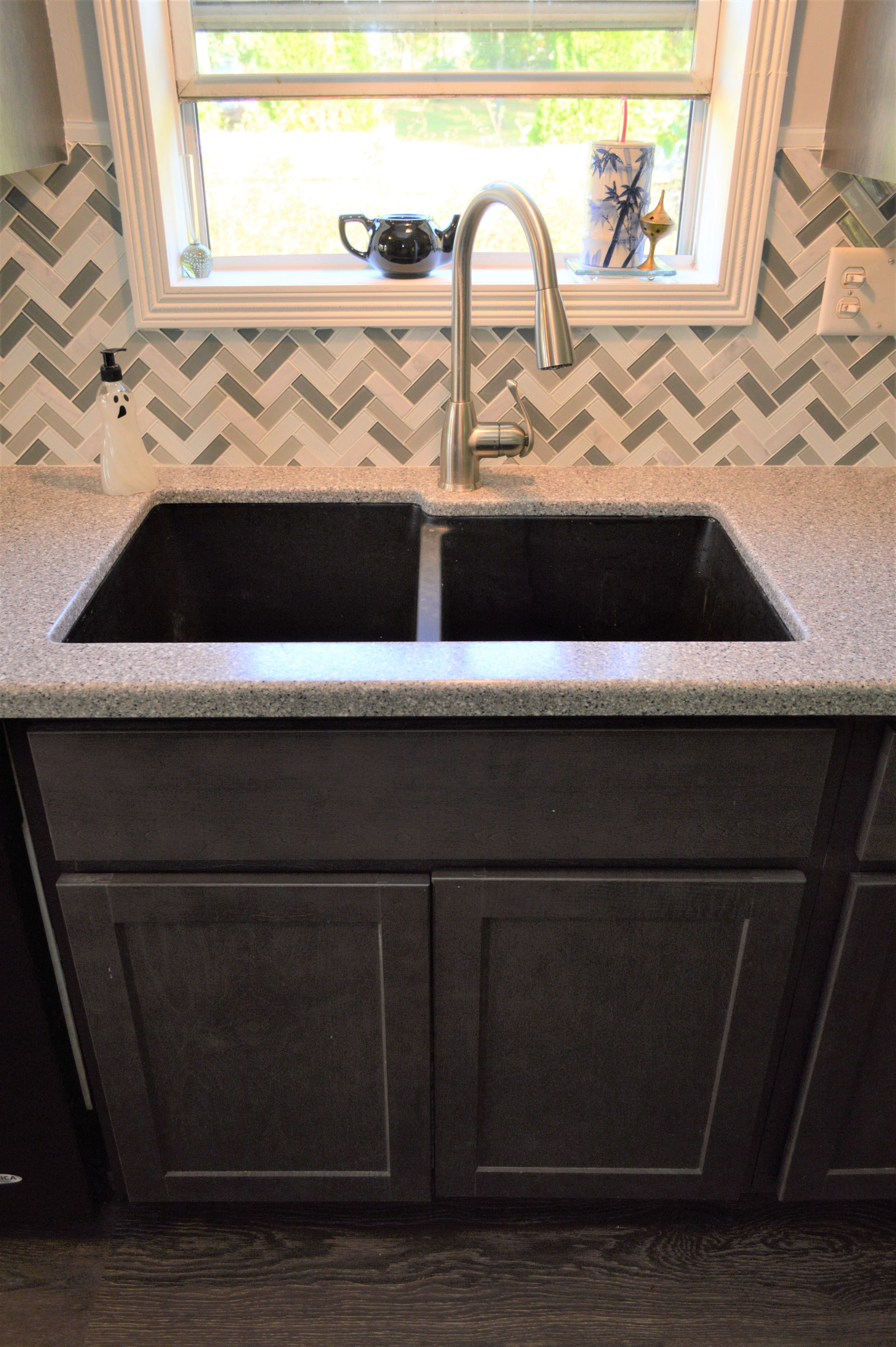 Bailey S Cabinets Pelican 60 40 Offset Quartz Undermount Sink